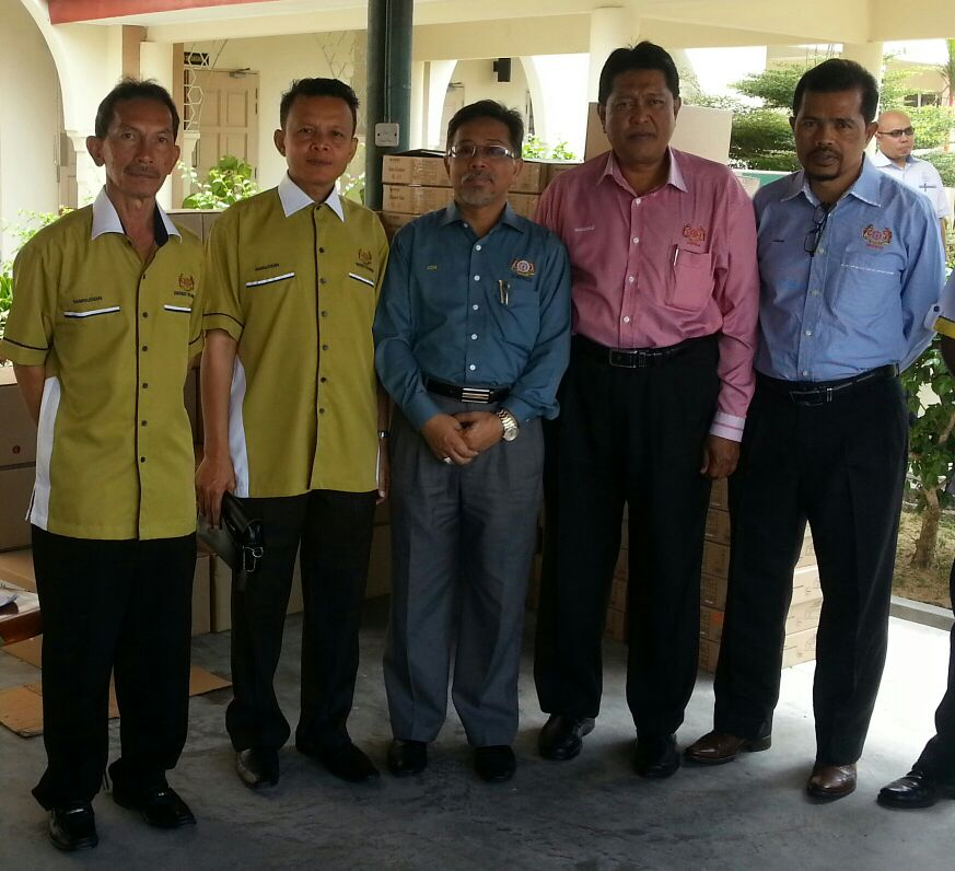 Presiden PACSU bersama-sama Presiden Cuepacs